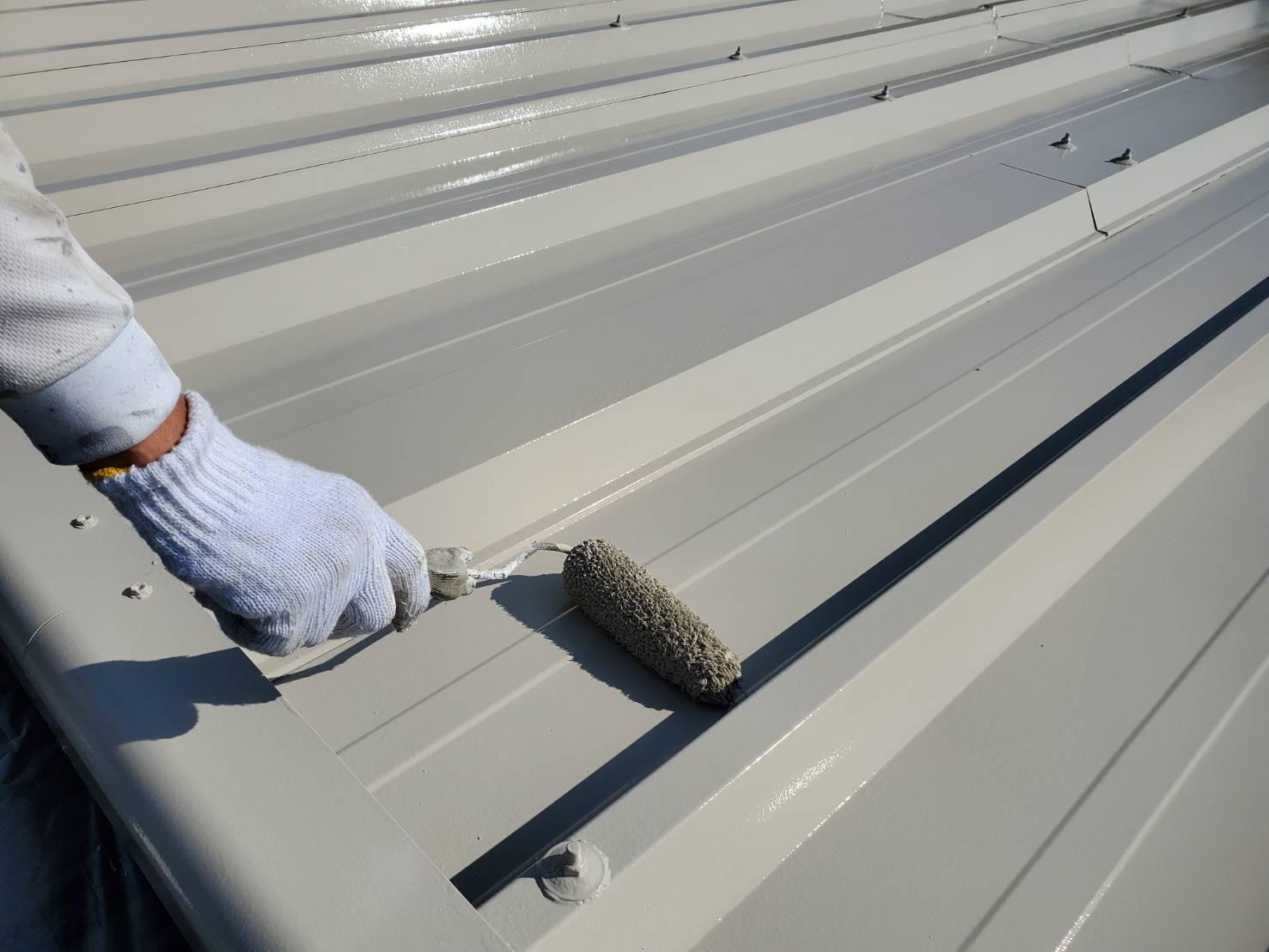 外壁塗装 佐賀 倉庫 シャッター塗装 シャッター 屋根 塗装 上塗り