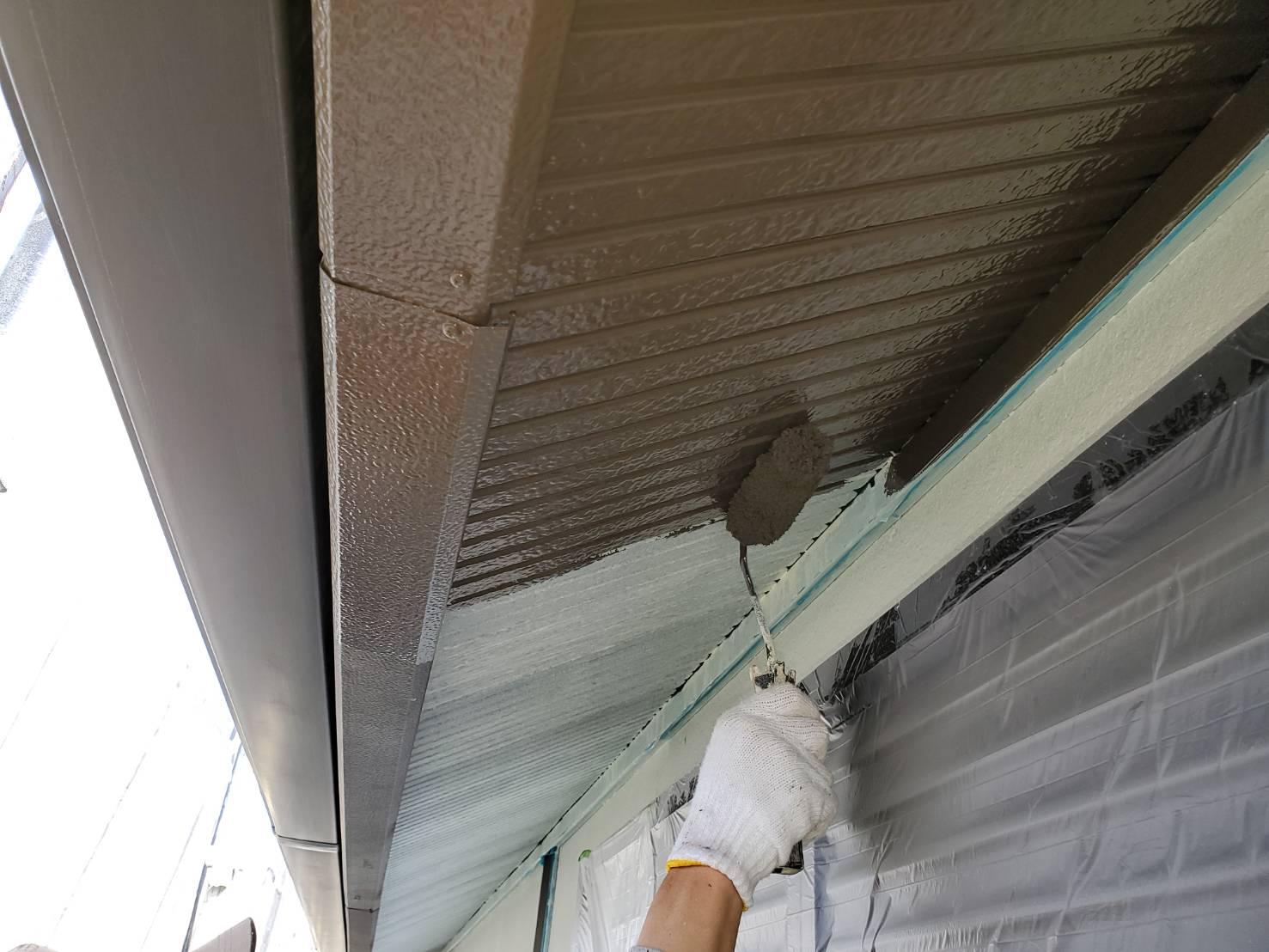 外壁塗装 佐賀 付帯部 軒下天井 軒天 塗装 下塗り