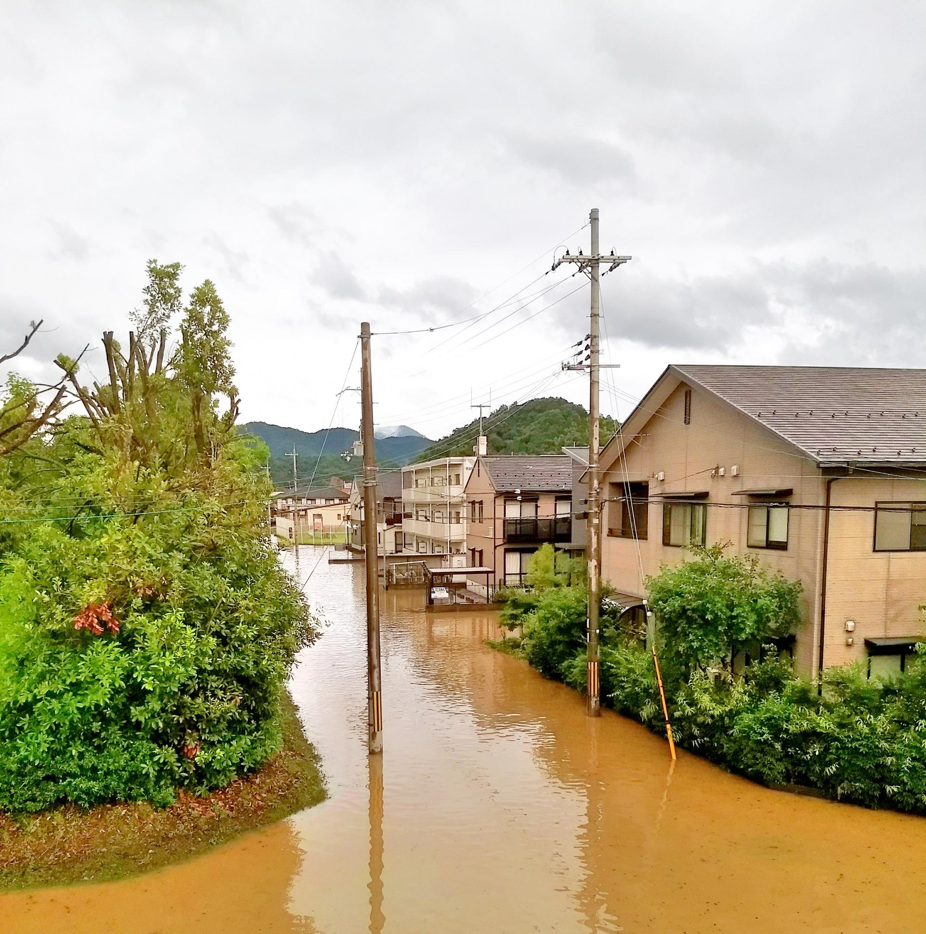 佐賀市 外壁塗装 豪雨 台風 火災保険 保険 雨漏り