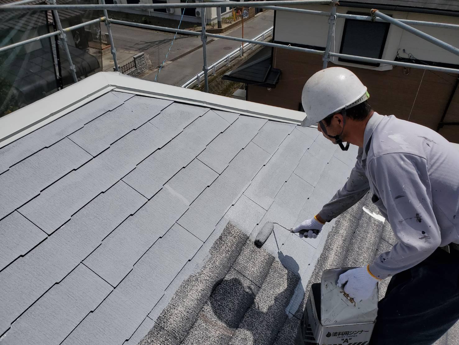 外壁塗装 佐賀 スレート屋根 コロニアル屋根 板金部 中塗り