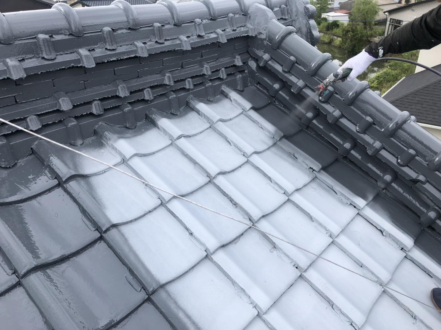 外壁塗装 佐賀 瓦屋根 中塗り