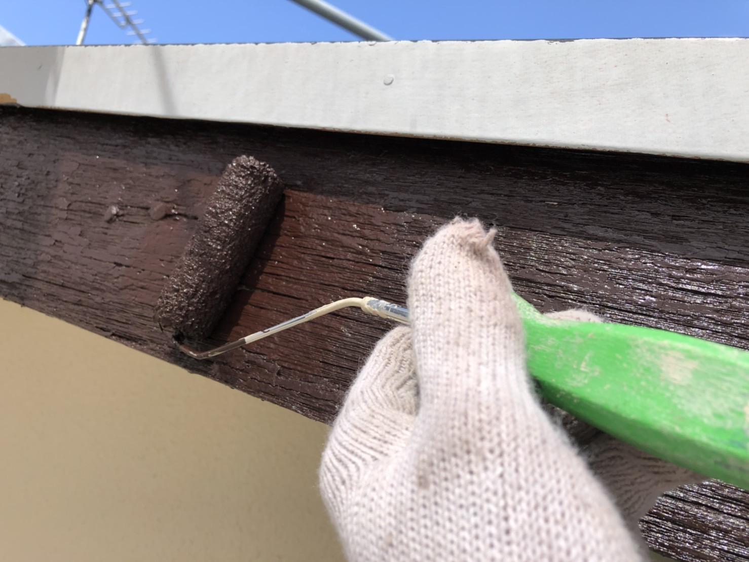外壁塗装 佐賀 付帯部 木部 破風板 上塗り