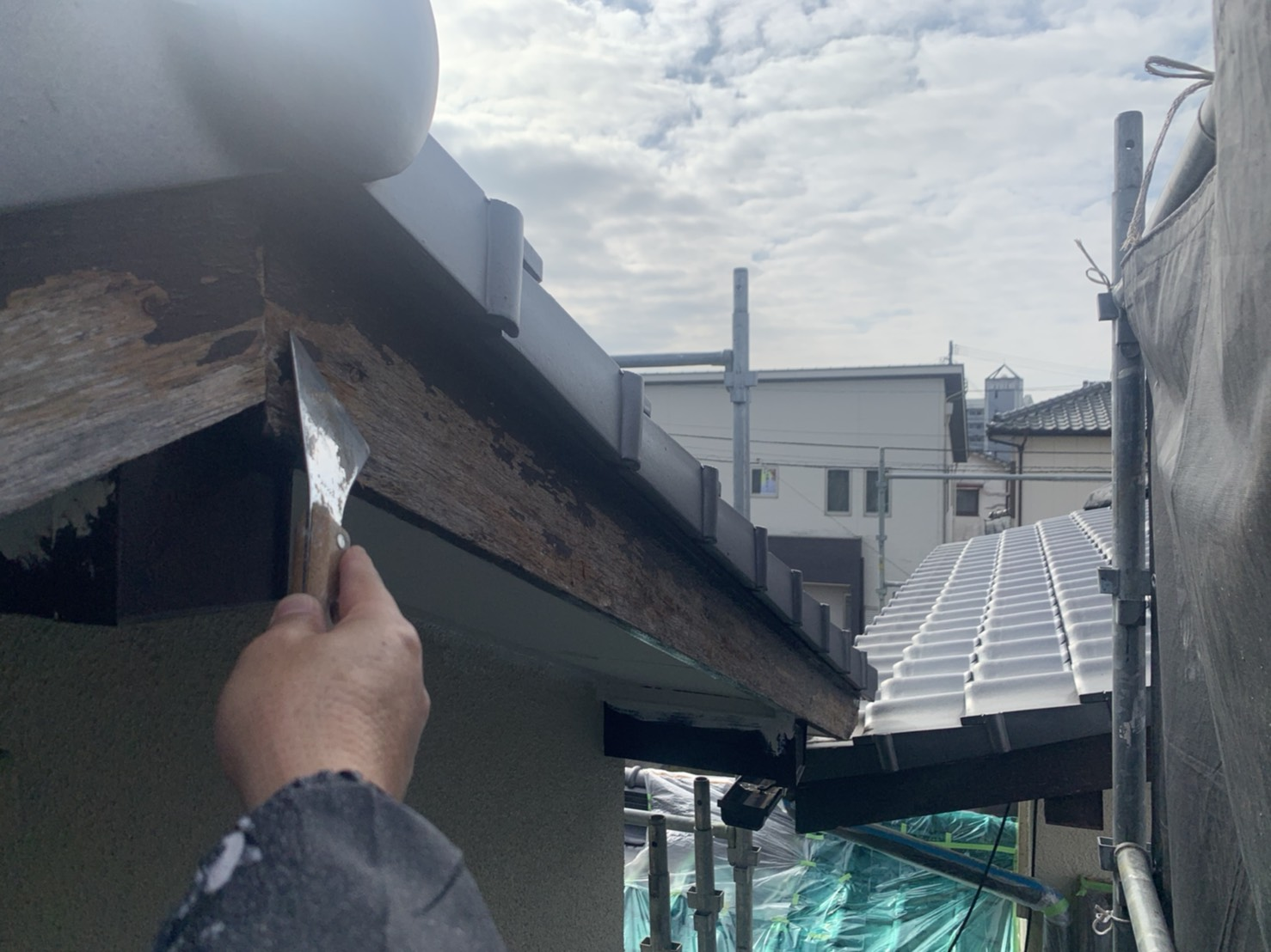 外壁塗装 佐賀 破風板 ケレン