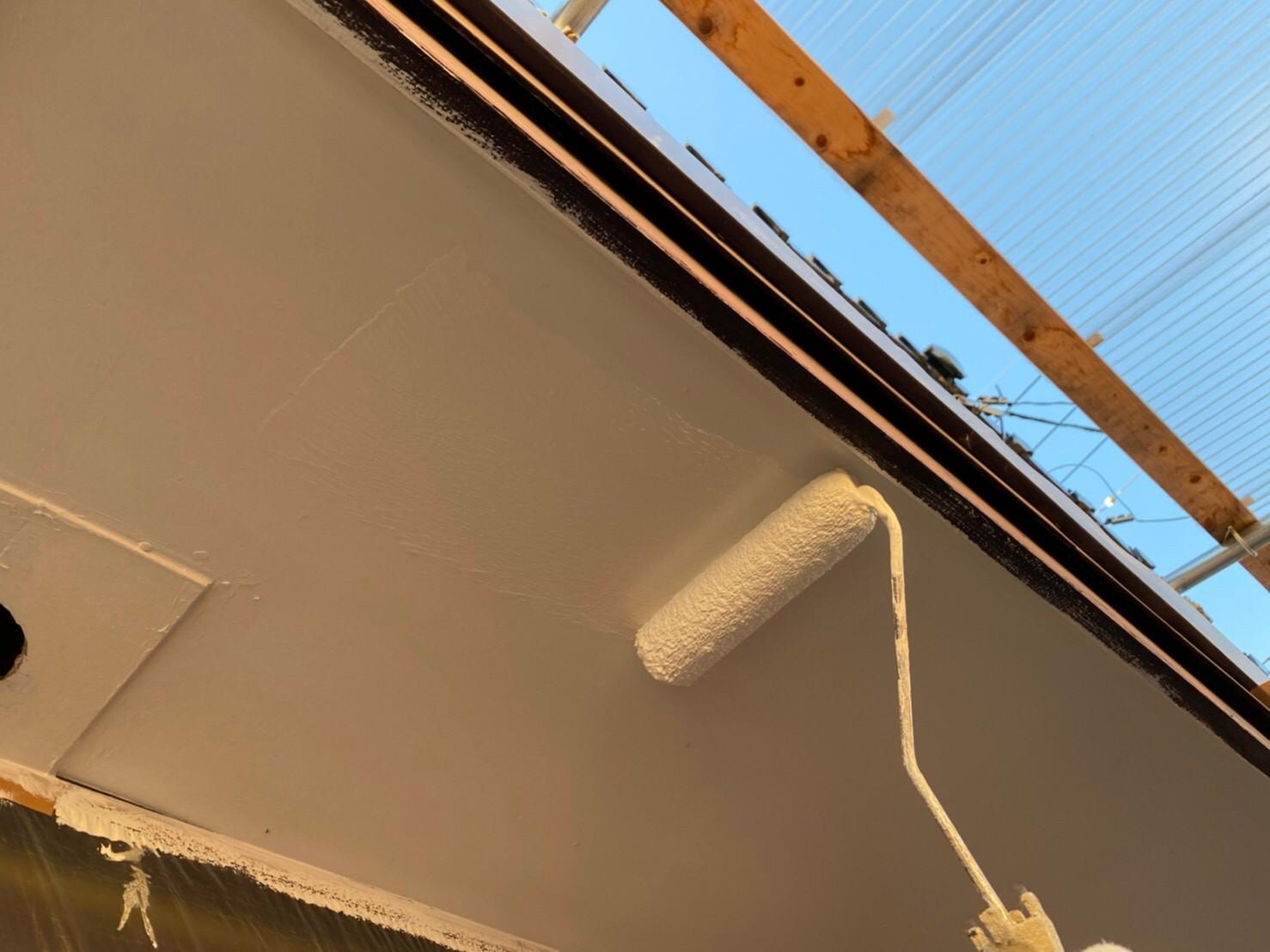 外壁塗装 佐賀 軒下天井 上塗り