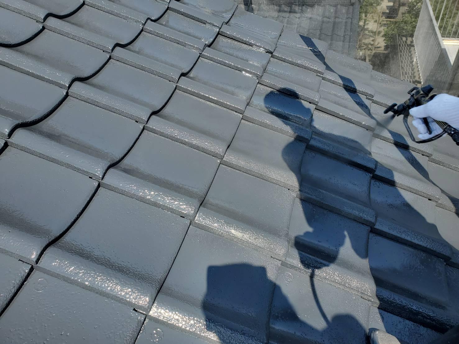 外壁塗装 佐賀 屋根 瓦屋根 塗装 上塗り