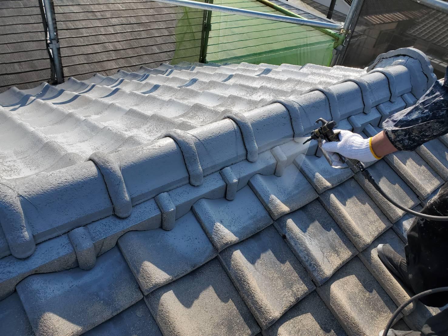 外壁塗装 佐賀 屋根 瓦屋根 塗装 下塗り