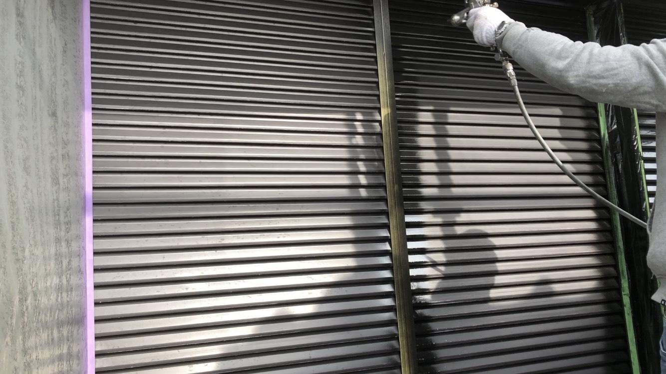 外壁塗装 佐賀 板金部 雨戸 塗装 下塗り