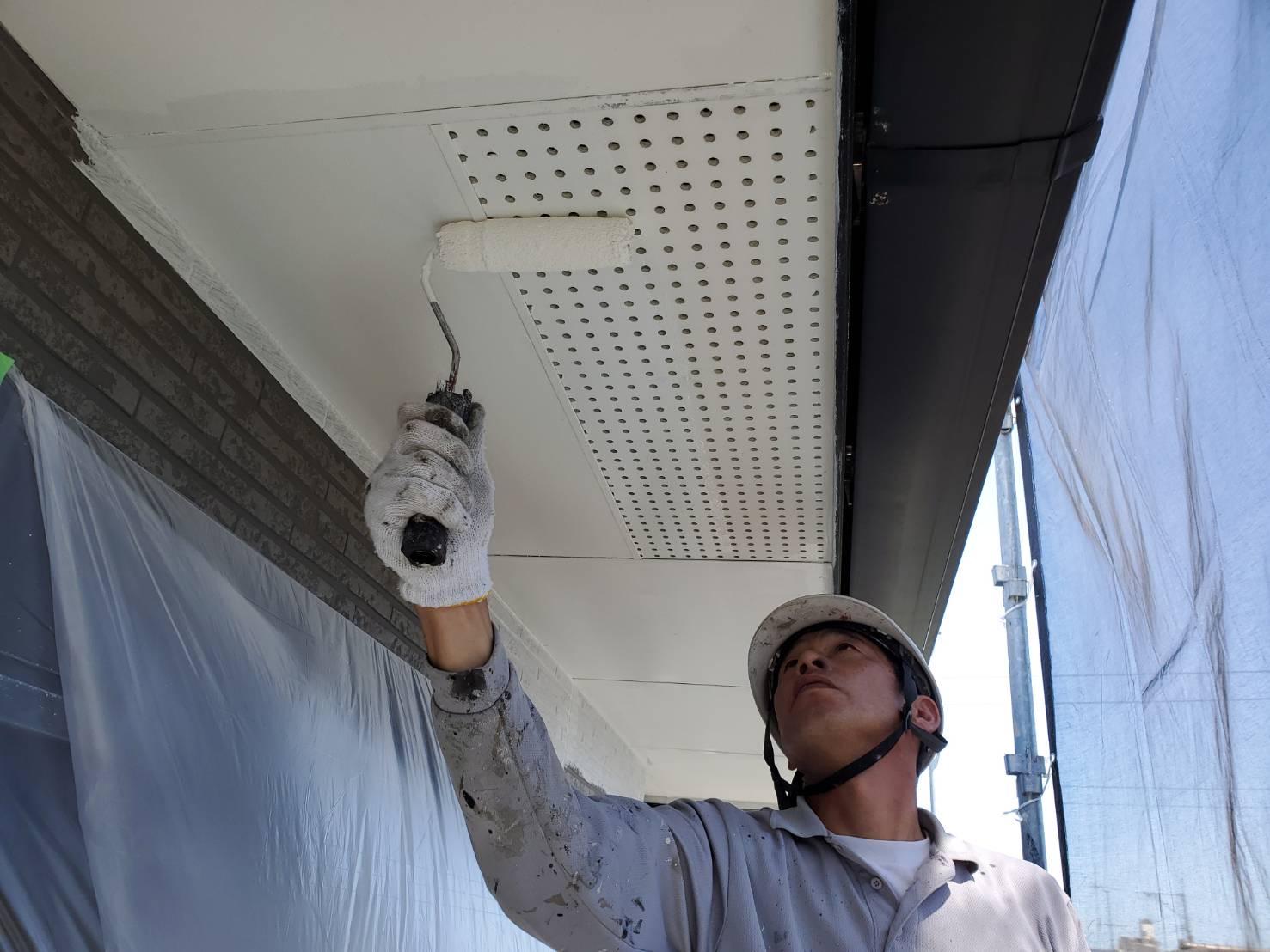 外壁塗装 佐賀 付帯部 軒下天井 塗装 下塗り