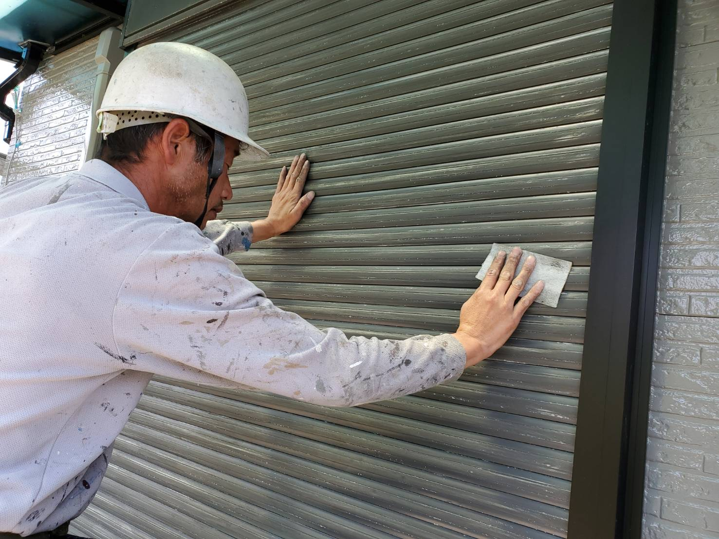 外壁塗装 佐賀 シャッター 下地処理