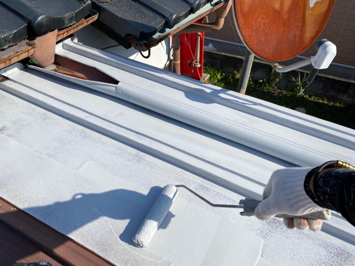 外壁塗装 佐賀 トタン屋根 下塗り