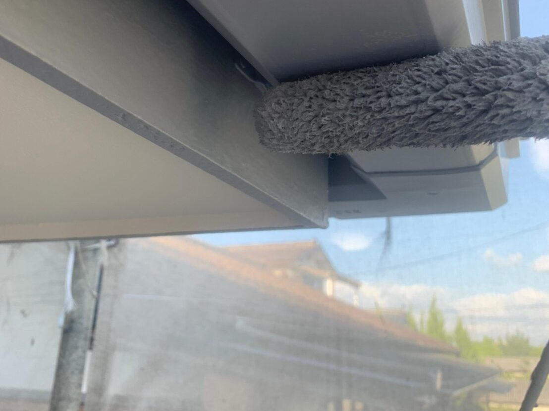 外壁塗装 佐賀 施工事例 付帯部 雨樋 塗装 上塗り