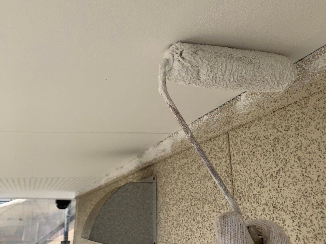 外壁塗装 佐賀 施工事例 付帯部 軒天 軒下天井 塗装 上塗り