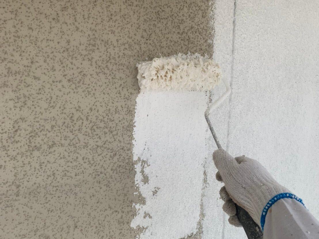 外壁塗装 佐賀 施工事例 サイディングボード 塗装 下塗り